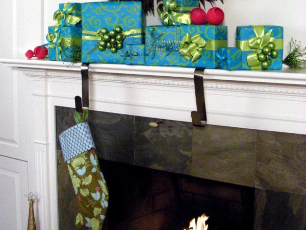 78734_Mantle-with-holiday-gifts_s4x3.jpg.rend.hgtvcom.616.462