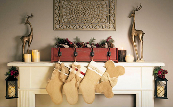 Home Depot Build a Decorative Rustic Box Stocking Holder (2)