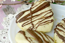 Chocolate Drizzled Shortbread Cookies
